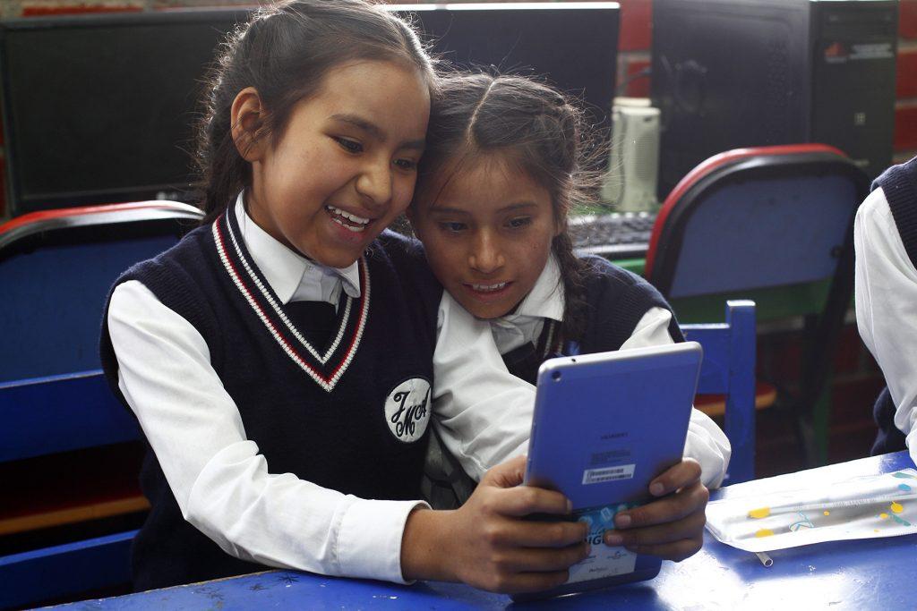 """Se pone a disposición herramientas educativas, recursos tecnológicos, talleres y cursos de formación docente que conforman el programa de """"Educación Digital"""" de Fundación Telefónica/Movistar."""